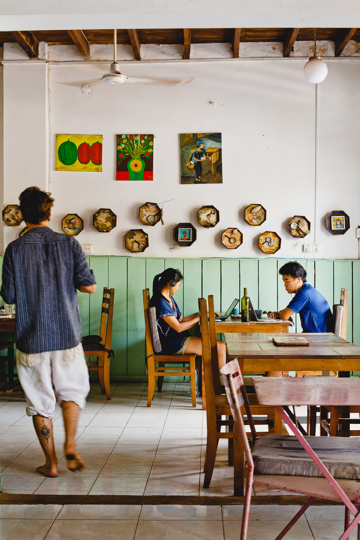 The interior at Ellie's café.