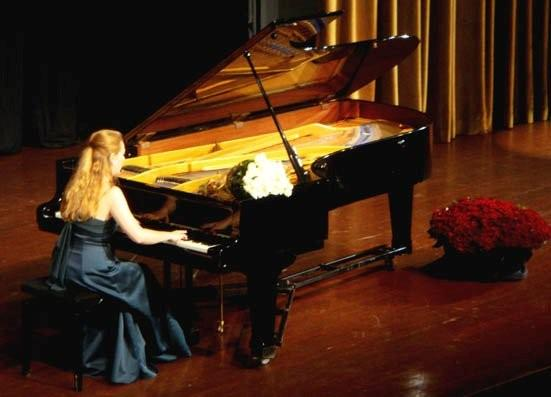 russian pianist katya.jpg