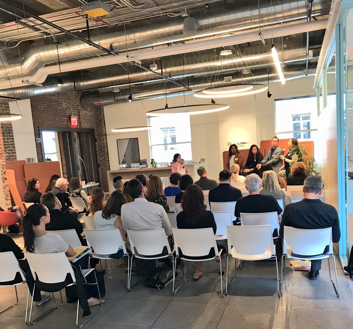 MetropolisMag  Happening Now: The Business Case for Well-Being in the Workplace @Equinix @GenslerOnWork @randy_howder @HDR_Inc @trmaher_1 pic.twitter.com/6pW5UbAk7H  Jun 22, 2017, 8:49 PM