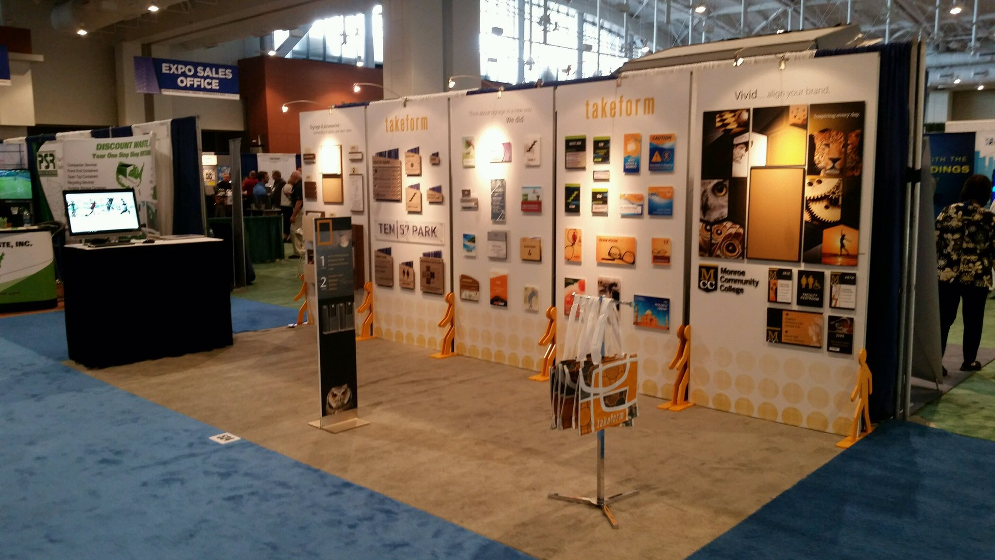 Takeform  Last day @BOMAIntl today in #nashville. Stop by our booth space 534. #BOMA2017 #signage #wayfinding https://t.co/ZgD027ZCSH  6/27/17, 12:38 PM