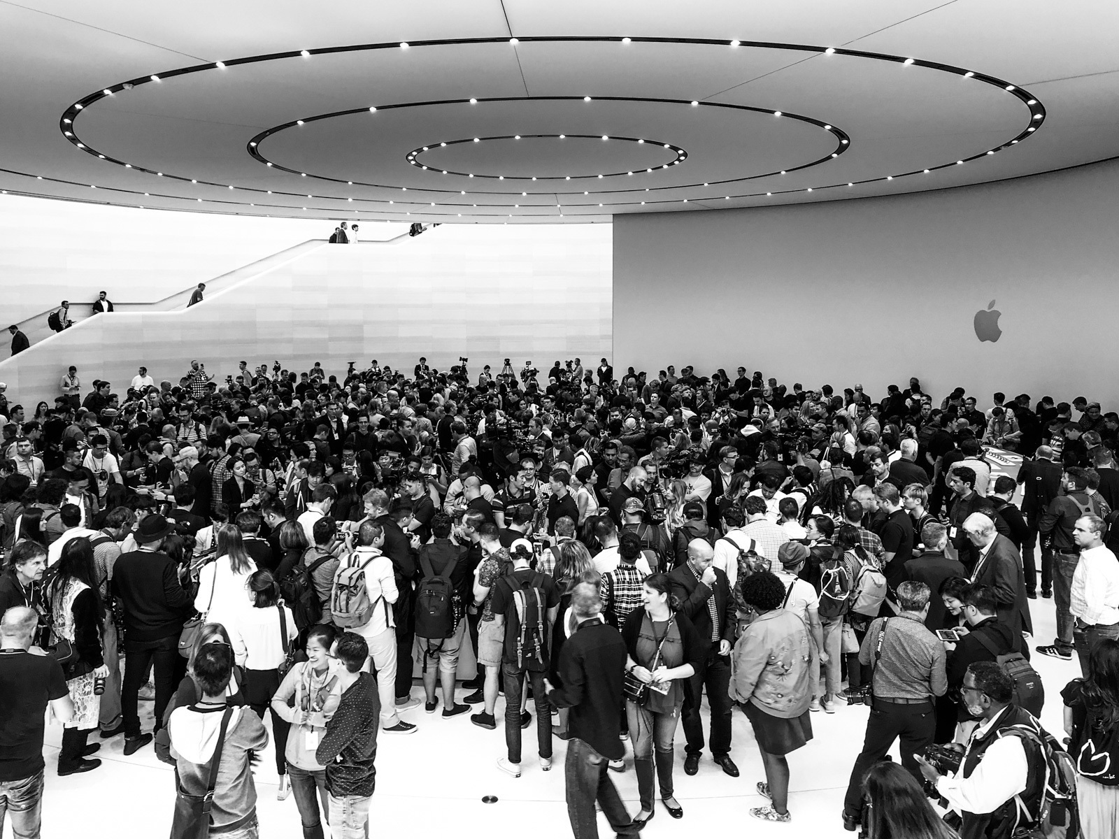 large_apple-steve-jobs-theater-8.jpg