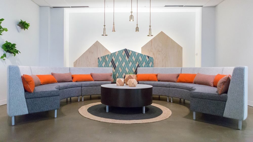 lori_bailey  Create a unique lounge space for your office using Kimball! @KimballBrand @businteriors pic.twitter.com/6YPBMgkMuc  Oct 20, 2017, 6:13 AM