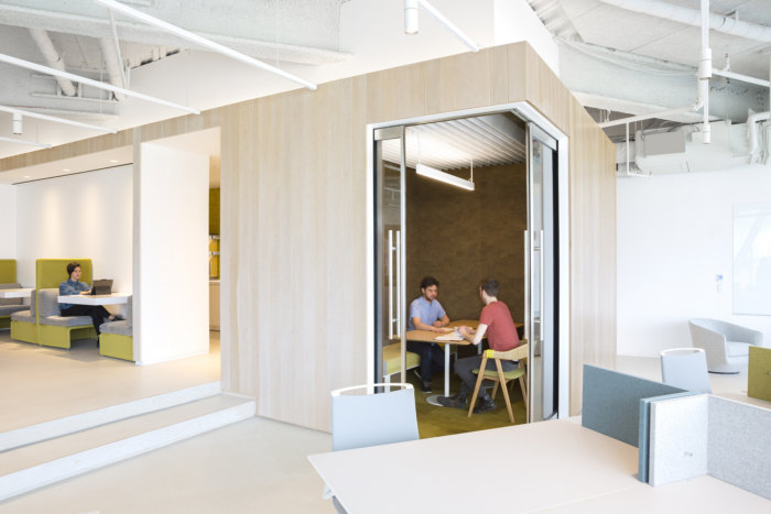 two-sigma-collision-lab-offices-new-york-city-6-700x467.jpg