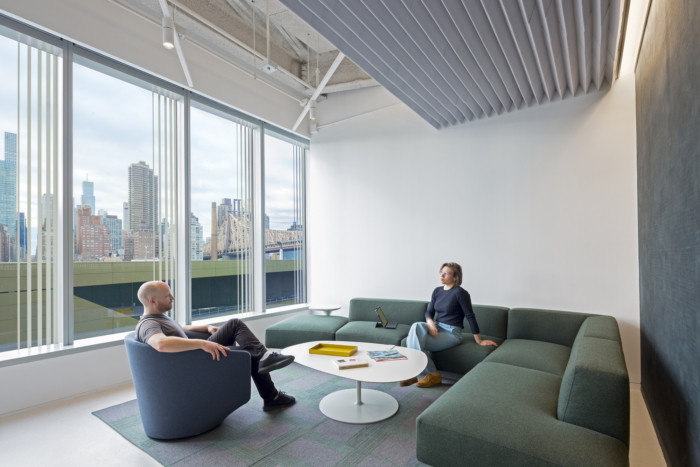 two-sigma-collision-lab-offices-new-york-city-3-700x467.jpg