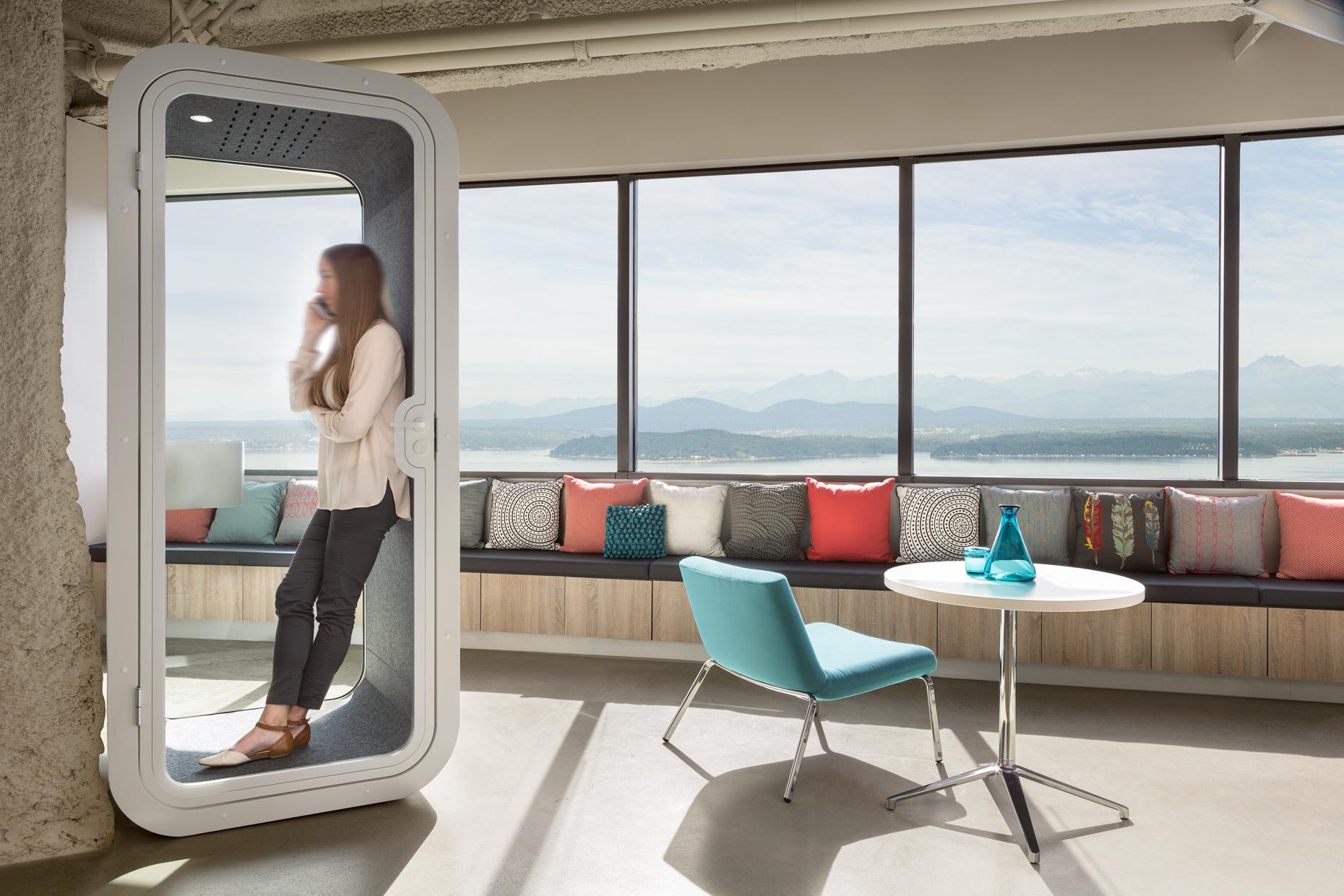 Unispace Seattle Office. Design by Unispace. Copyright Trent Bell / Unispace.