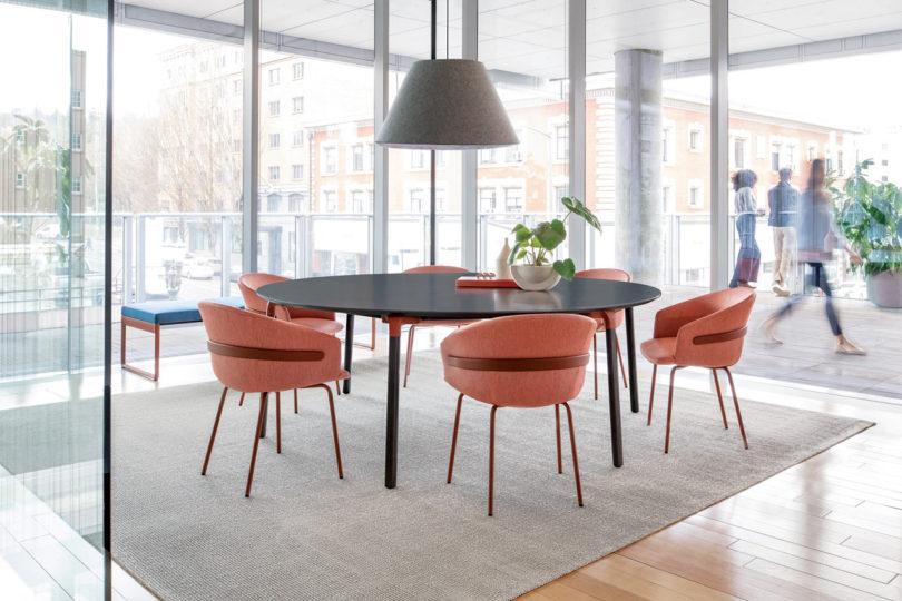 Clip-Chair-CKR-Studio-TK-2-810x540.jpg
