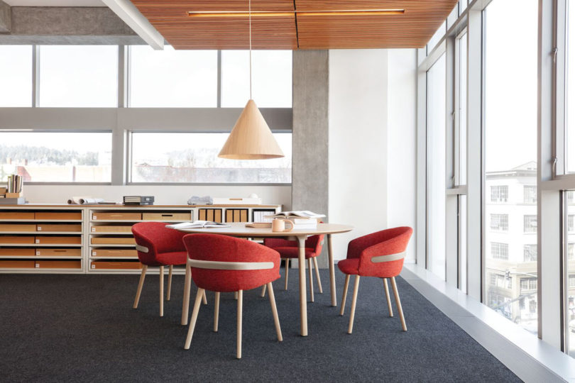 Clip-Chair-CKR-Studio-TK-21-810x540.jpg