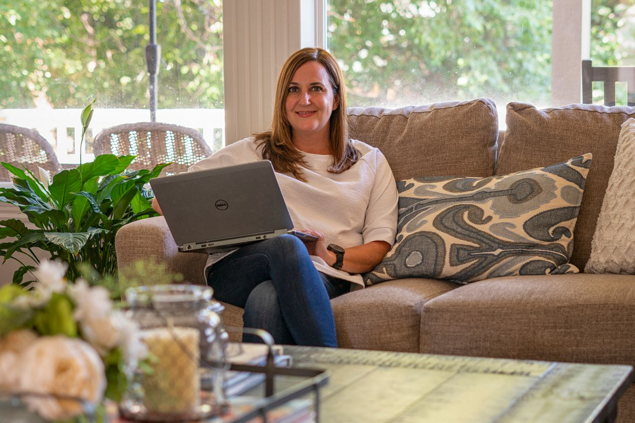 Kelly Swift, working from her home in Eagle, Idaho. PHOTO: TODD MEIER FOR THE WALL STREET JOURNAL