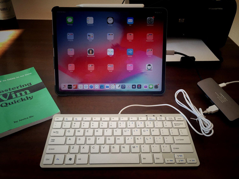 L'iPad Pro e la tastiera con USB