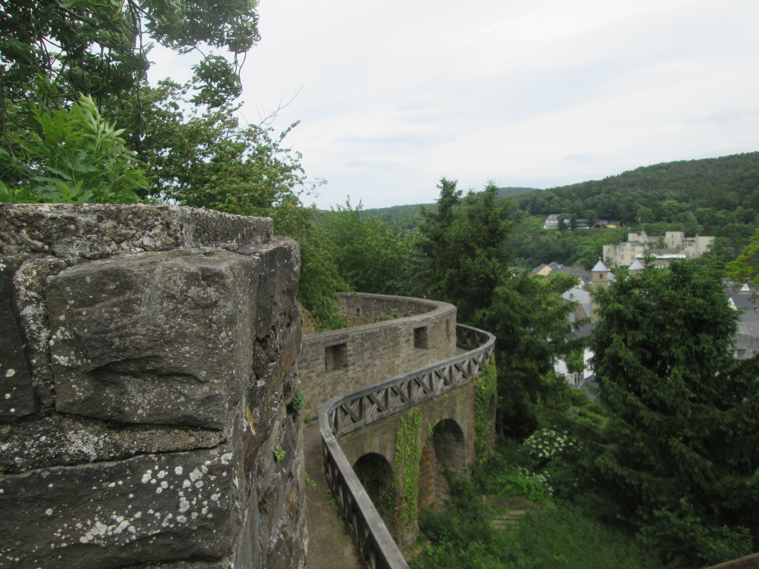 Walls surrounding Bad Münstereifel with the town in the background