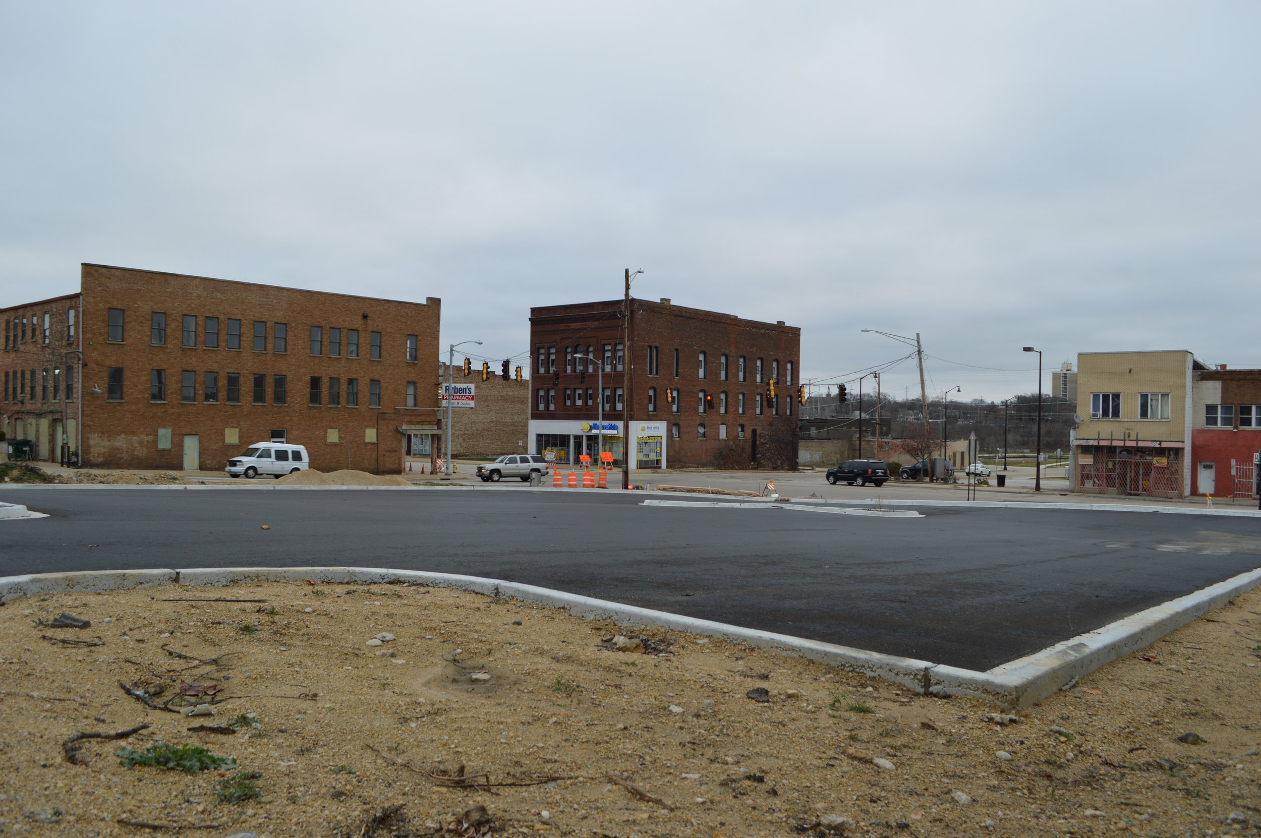 During the South Main reconstruction project, IDOT removed the on-street parking and demolished a tax-producing building so drivers could have ample parking.