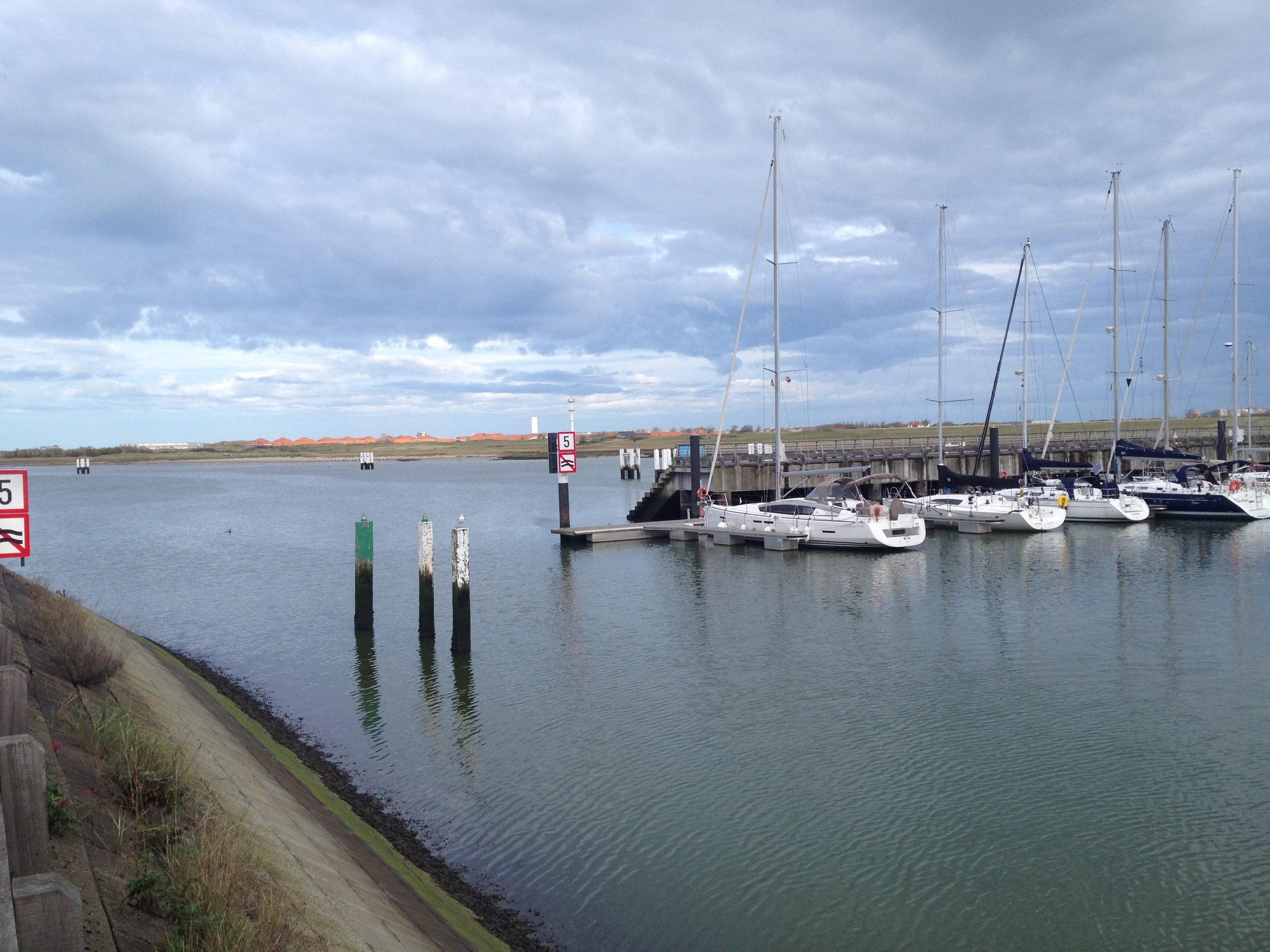 Entrance at high tide to KYCN marina in Nieuwpoort, Belgium