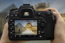 Salut! I invite you to join me in a fun filled tour capturing spectacular images and indulging at the finest of patisseries in Paris! Tim Courtney