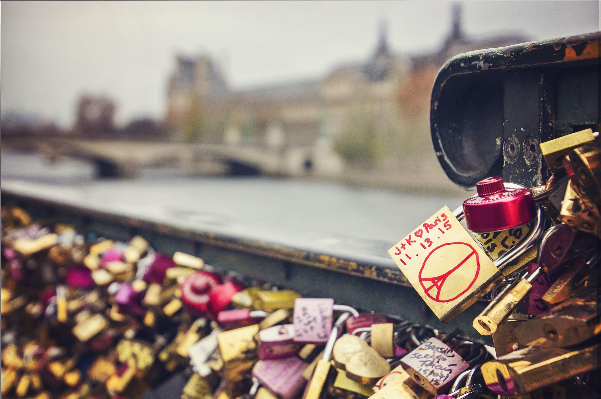 Paris_Lock_01-s.jpg
