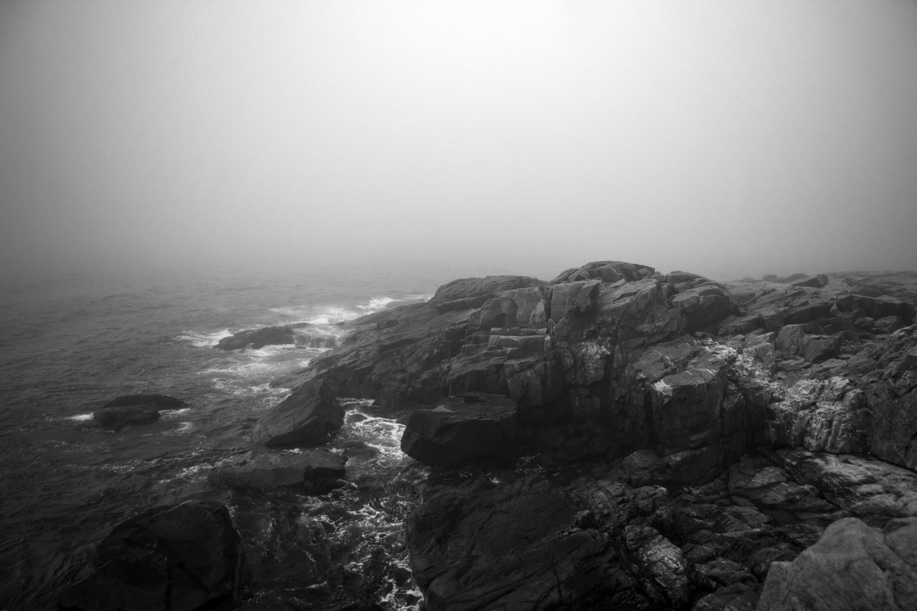 AcadiaFoggyCliffs_04.bw.jpg