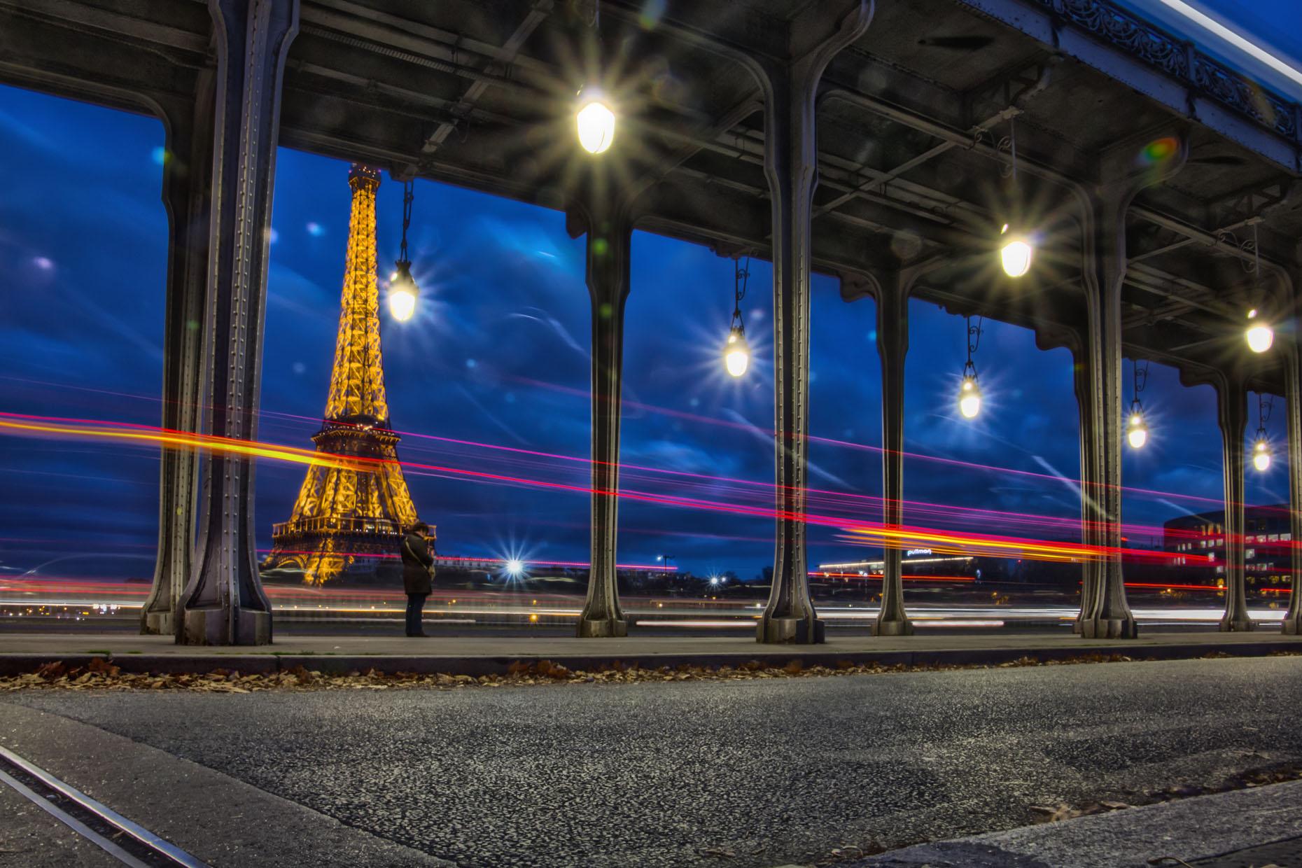 Paris_EiffelTowerTwilight_05.jpg