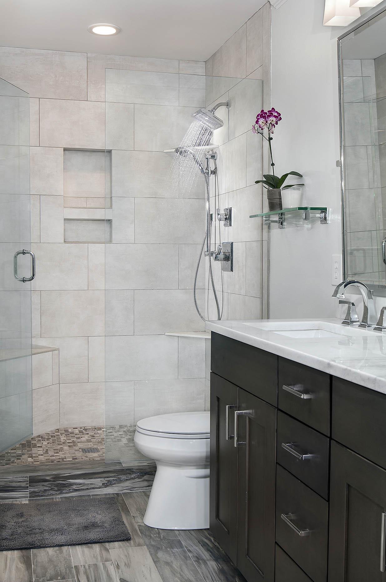 EE_bathroom_01.jpg