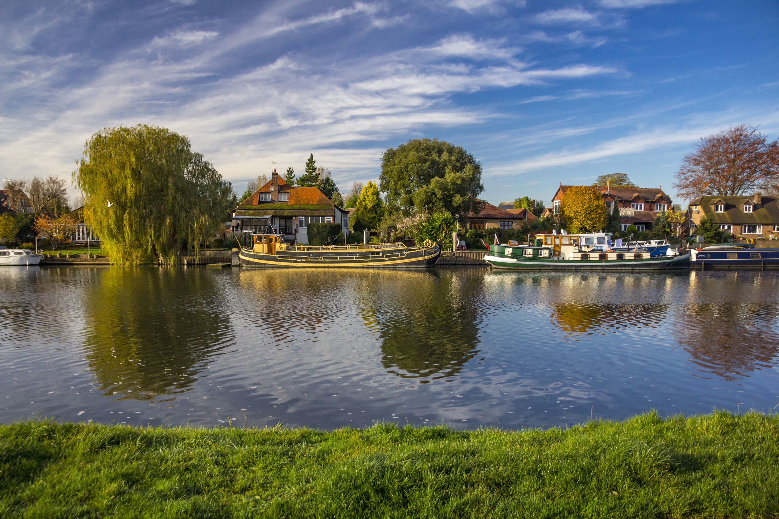 Staines_04.jpg