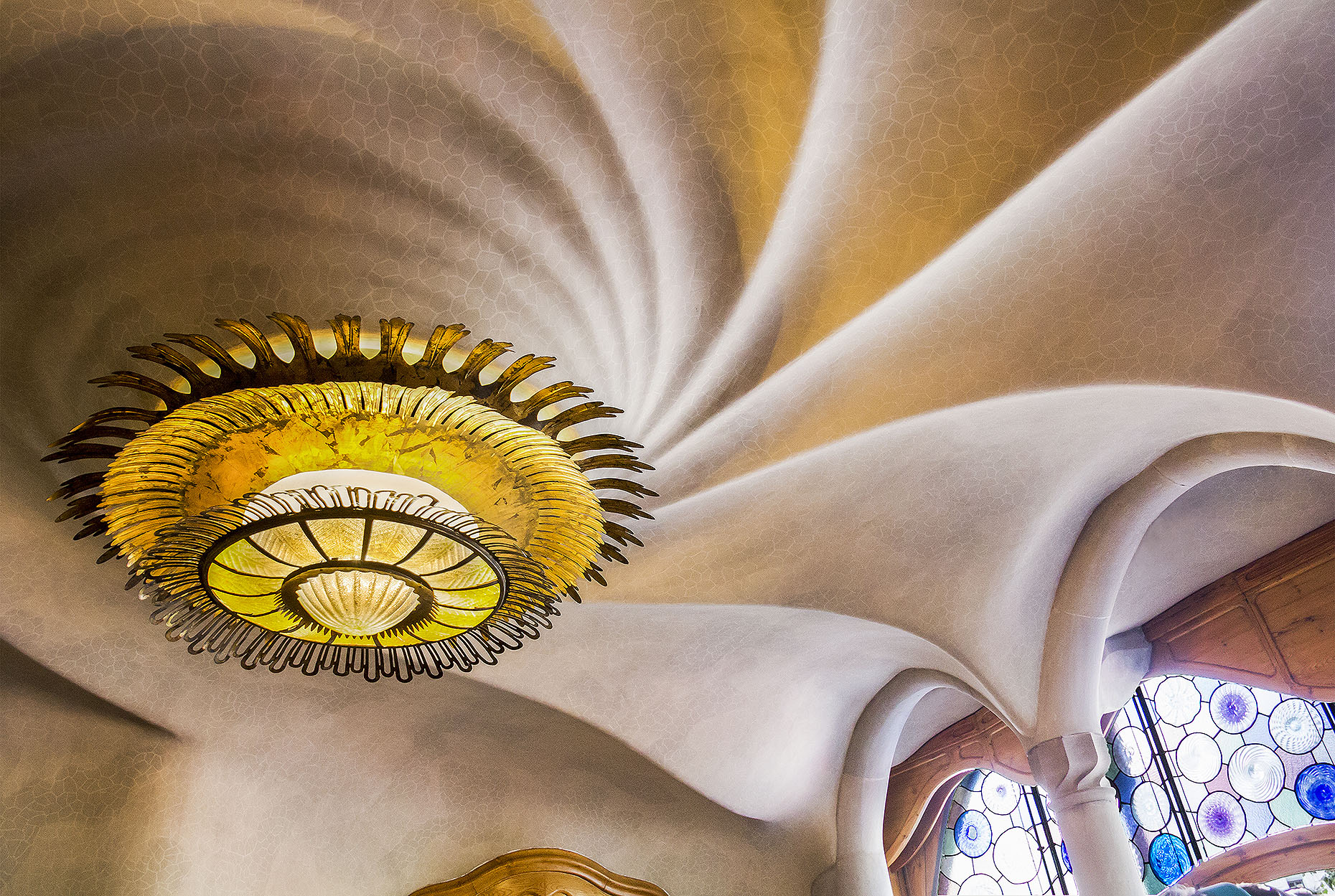 Gaudi_BatloHouse_01.jpg