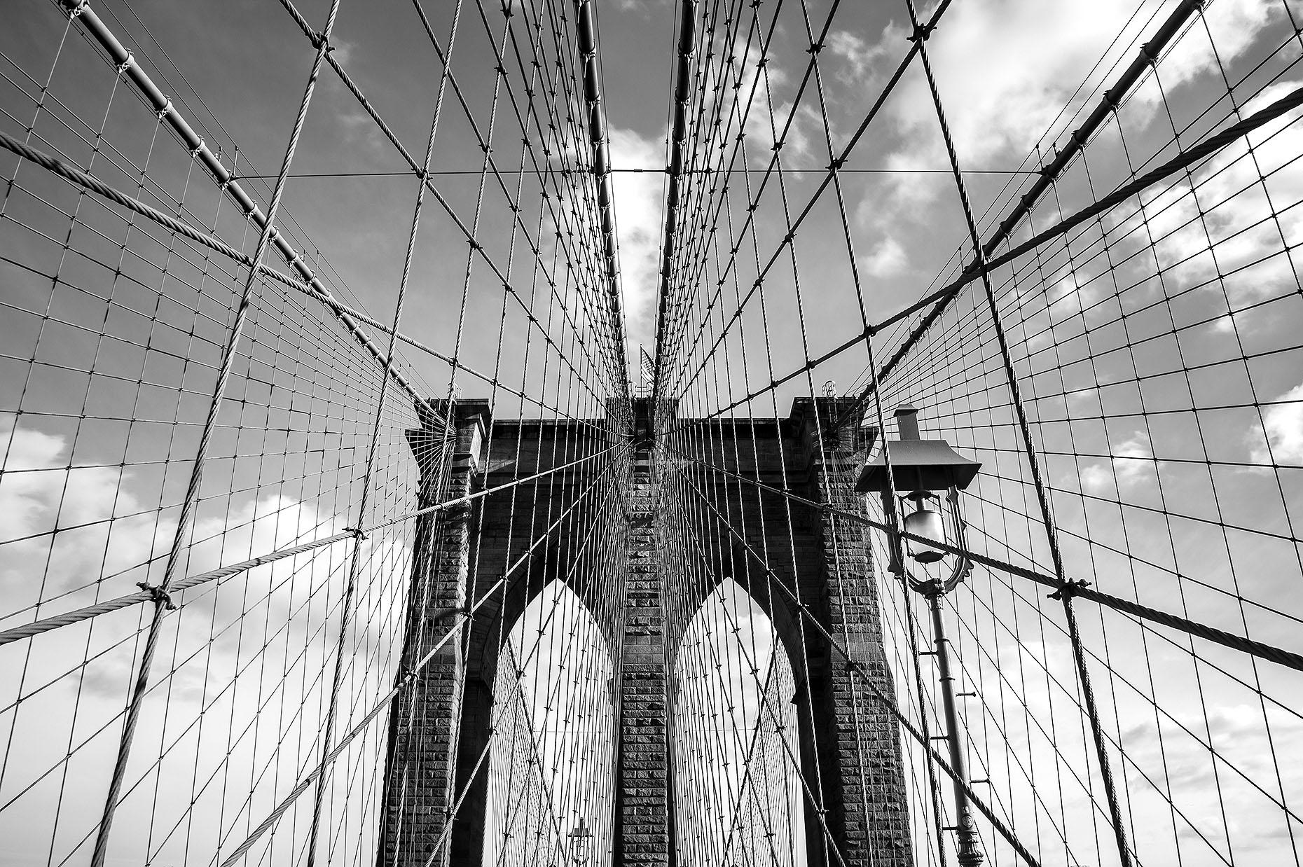 BrooklynBridge_02-bw.jpg