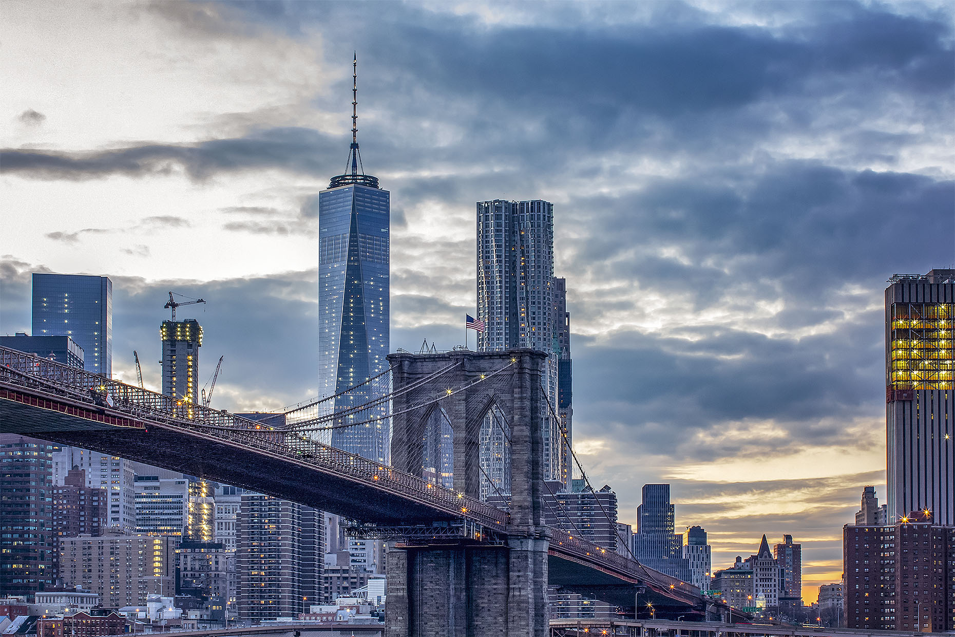 BrooklynBridge_twilight-s_webuse.jpg