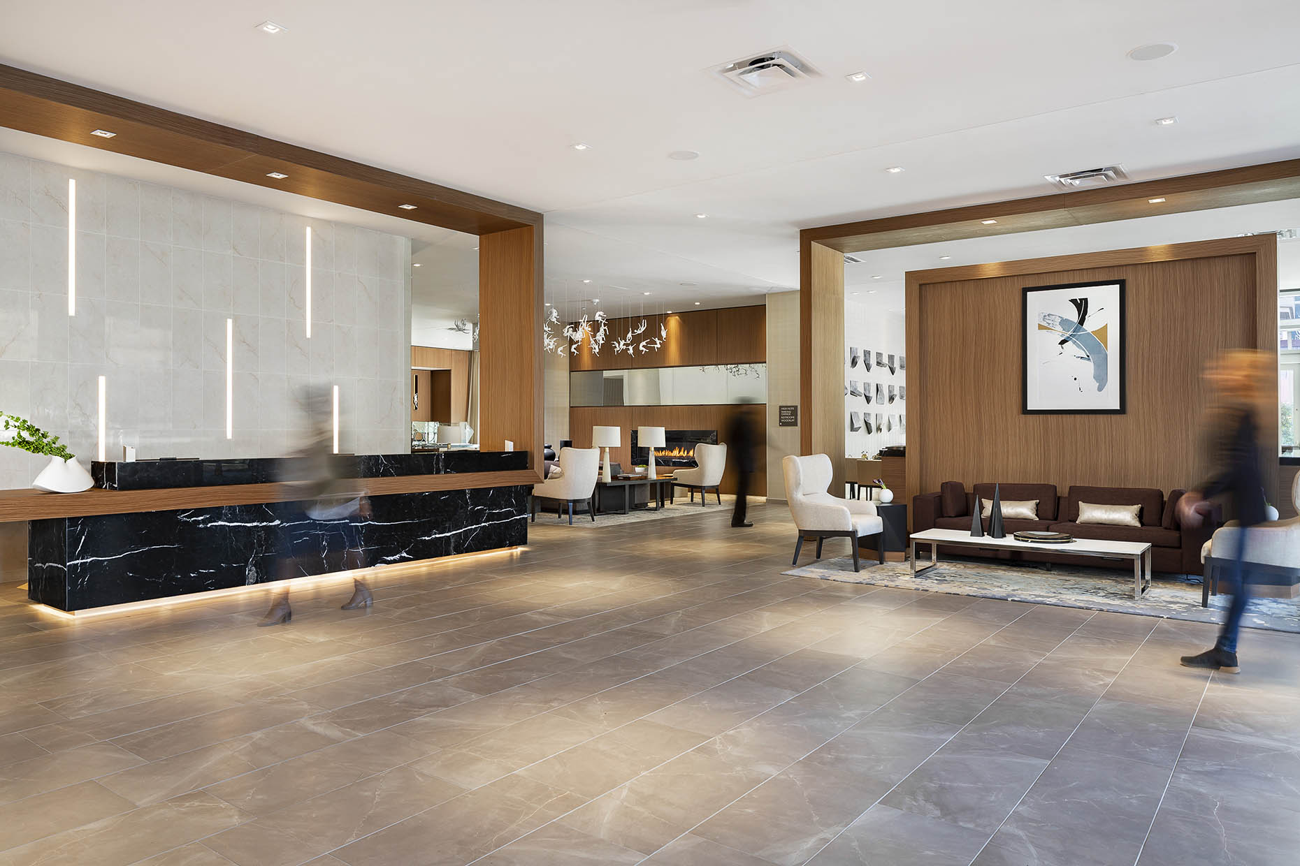 Winter_ACMoxyHotel_ATLMidtown_1.14.19_AC_Lobby_01_people_webuse.jpg