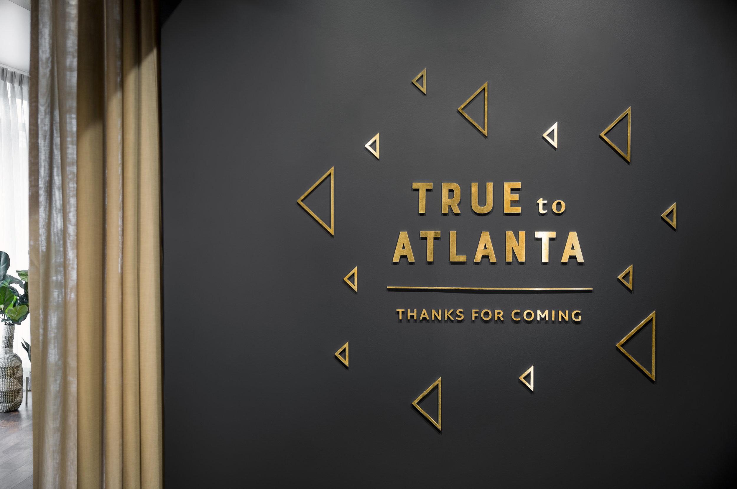 08_AtlantaHawks_TruetoATLsignage.jpg