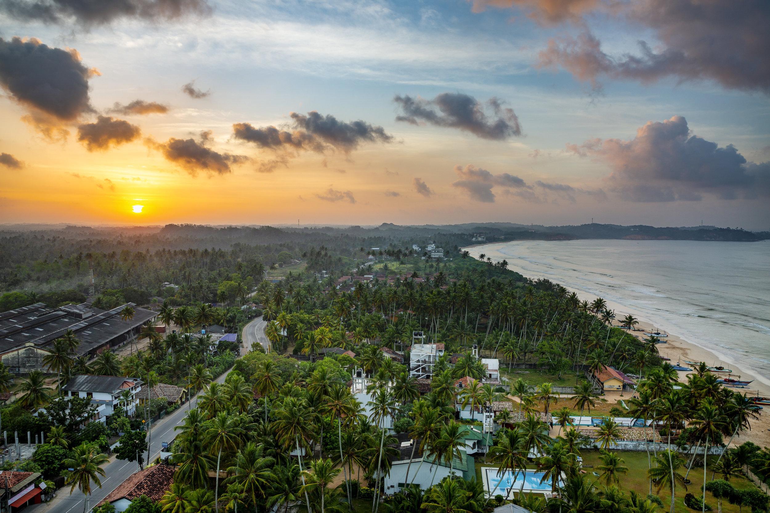 SriLanka_WeligamaBay_Sunrise_01.jpg