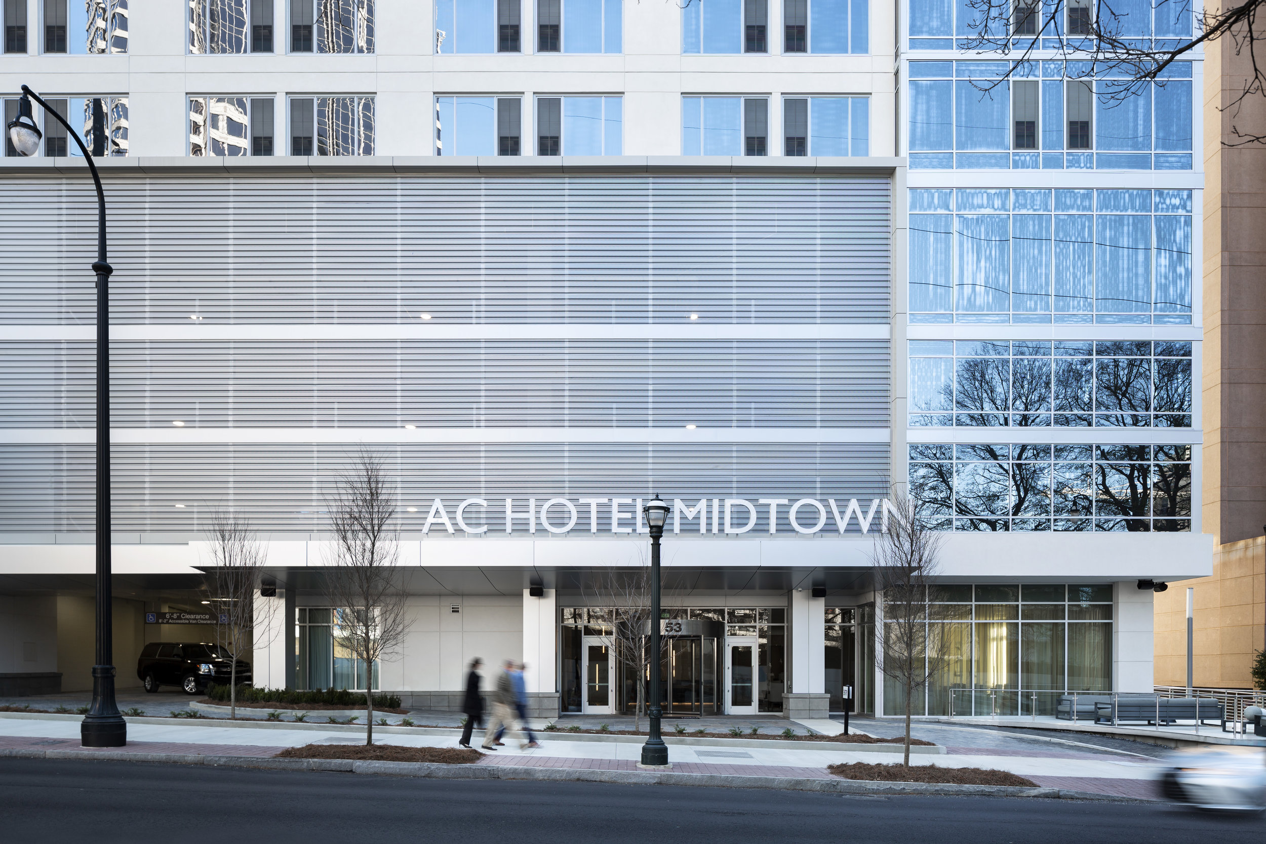 Winter_ACMoxyHotel_ATLMidtown_1.14.19_Exterior_AC_Front__01_people.jpg