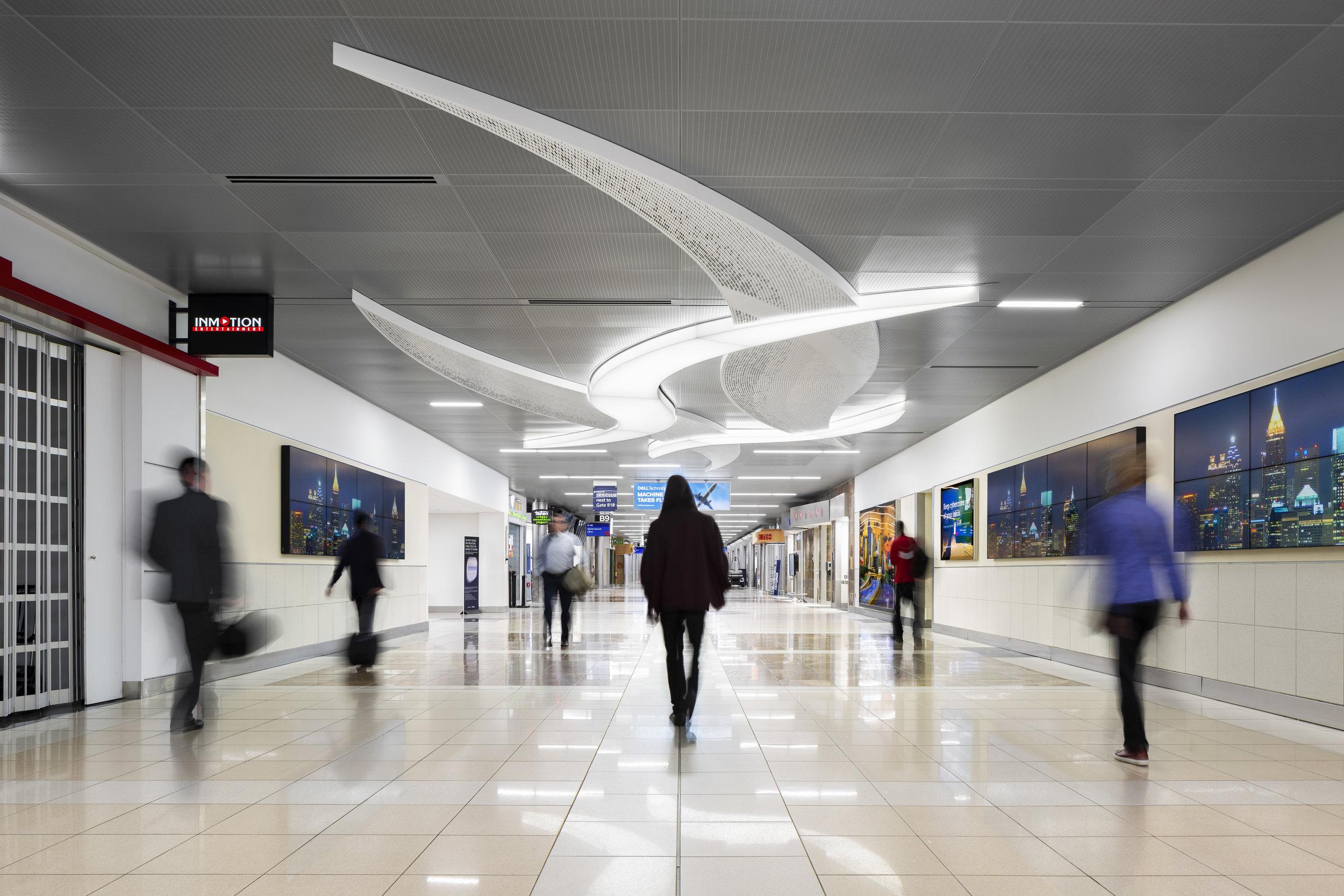 AtlantaAirport_04.17.19_0266_people2.jpg