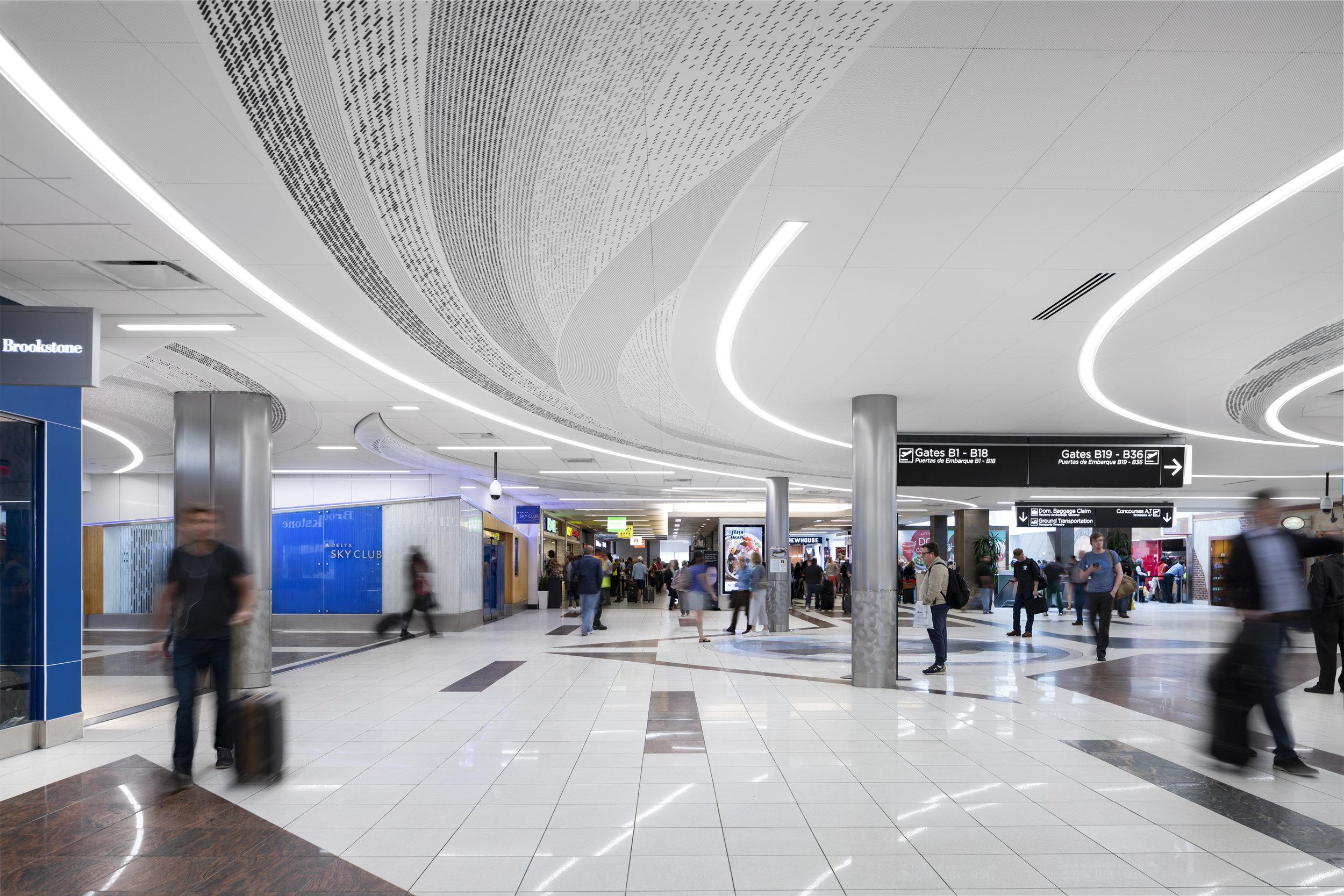 AtlantaAirport_04.17.19_0917.jpg