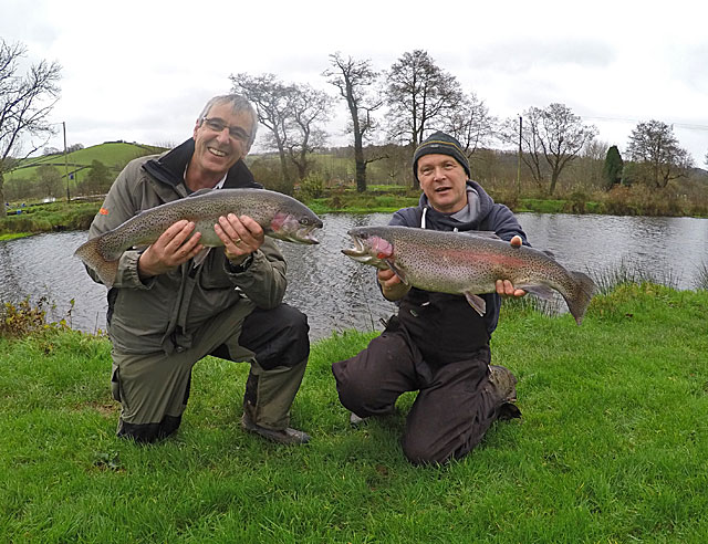 John Slaven (Left) & John Clarke (Right) both caught fish of 6lb 6oz this week!