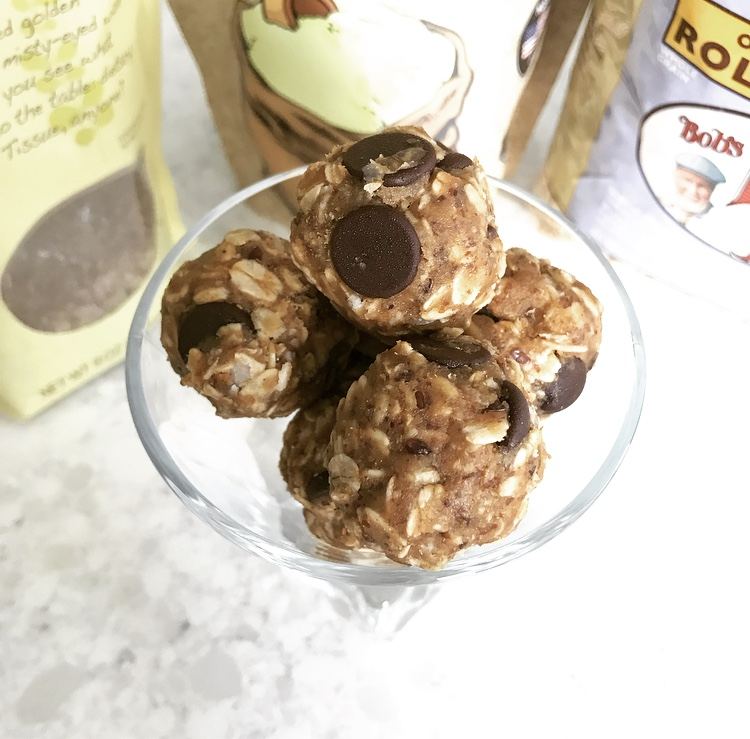 No bake cashew chocolate chip lactation cookie bites