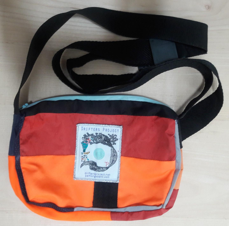 bag_back.jpg