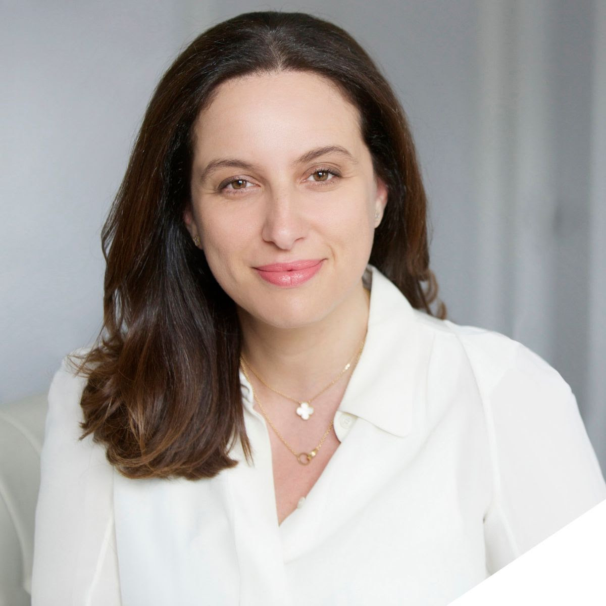 Claire SIMIER - Executive Coach and Strategic Consultant, WIF MentorTrusted thought-partner to business executives, entrepreneurs and global organizations facing international competition and needing internal realignment.More info: simierpartners.com