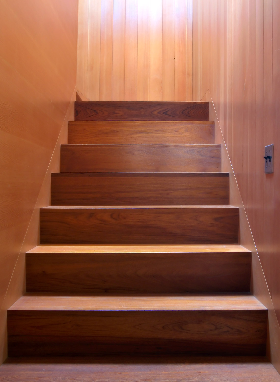 Hilltop_Stairs2.jpg