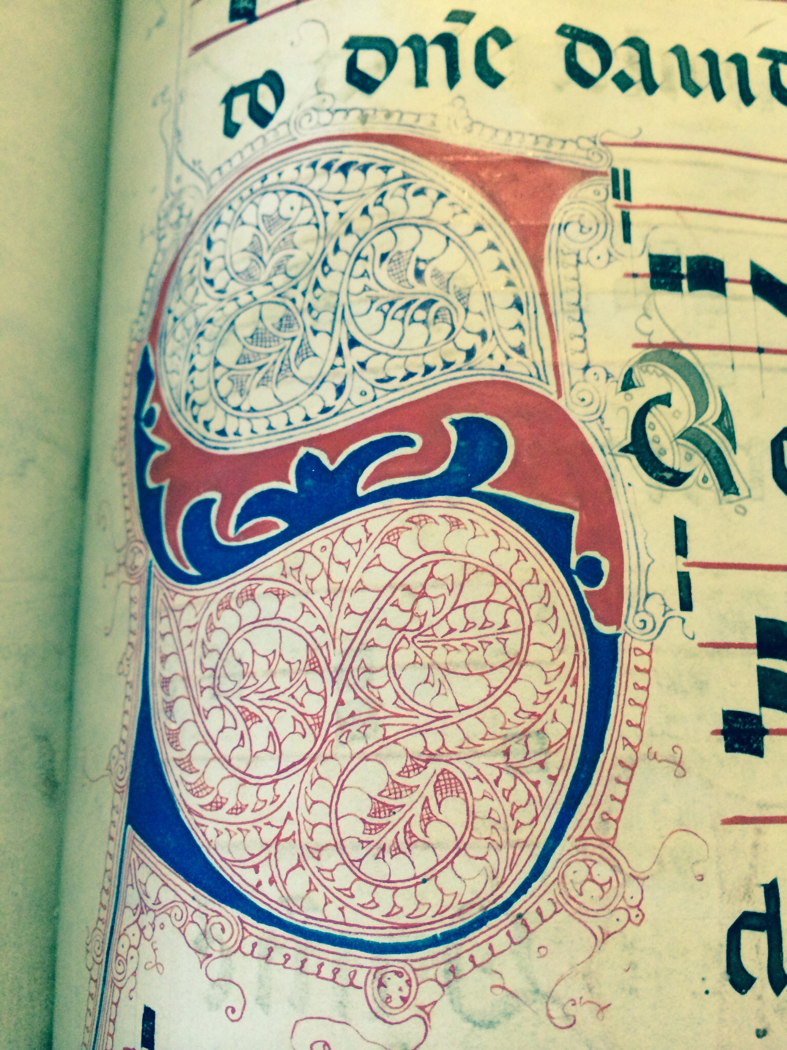 Page from choir book in Stroncone from the 1300's
