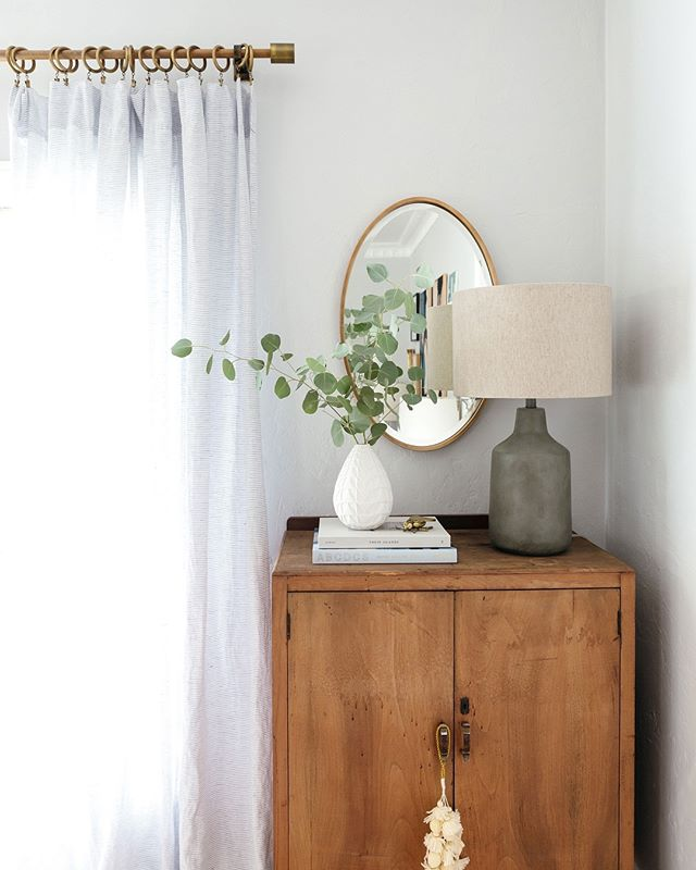 Holiday decorating doesn't have to end in the living room. There are so many ways to add little 🧚🏻♀️ everywhere... like how these tassels are hanging on this vintage cabinet ✨ (Styling by @ginny_macdonald for @luluandgeorgia)