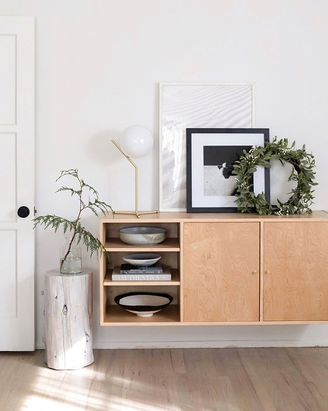 Minimal holiday decor: it's a thing. 🌿 Beautiful home of @citysage. #monicawanginteriors
