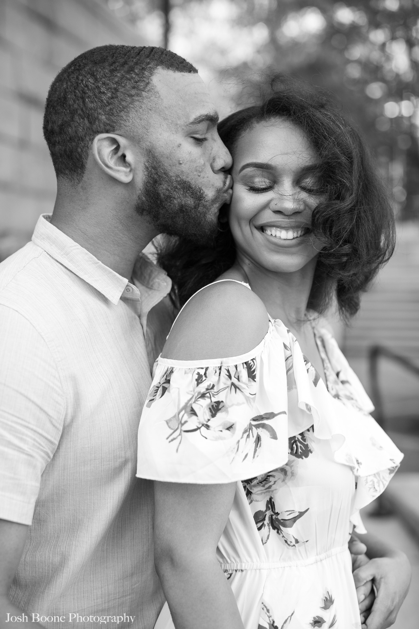 canal_walk_engagement_photos-7.jpg
