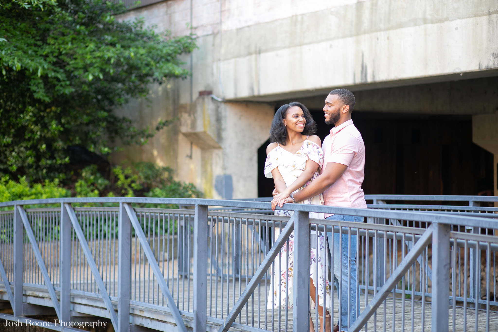 canal_walk_engagement_photos-13.jpg