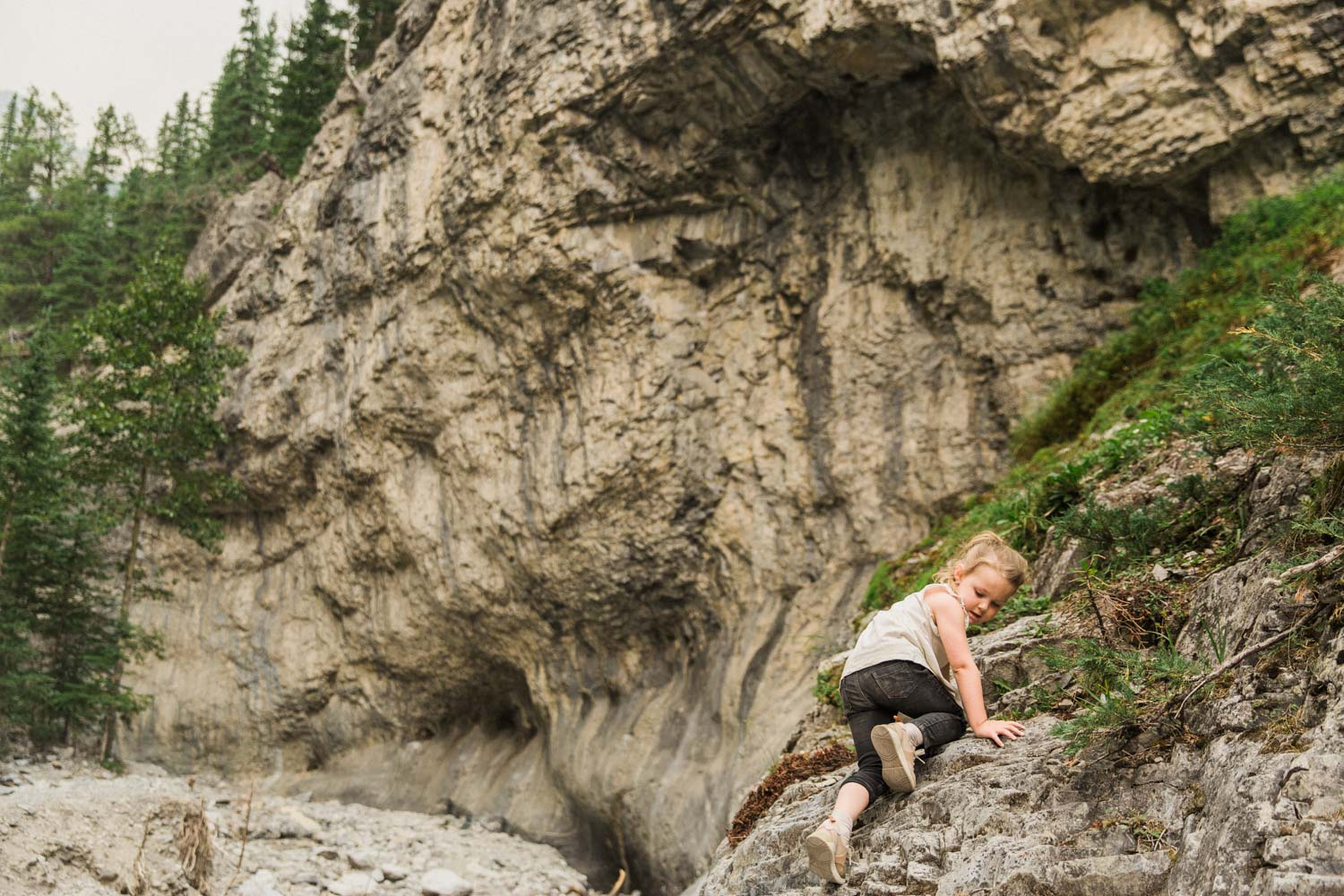 Grotto Creek Canyon Hiking With Kids Near Calgary Easy Canmore Photographer Jennie Guenard Photography