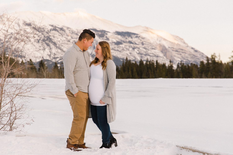 Canmore Mountain Maternity Shoot Calgary Photographer Jennie Guenard Photography