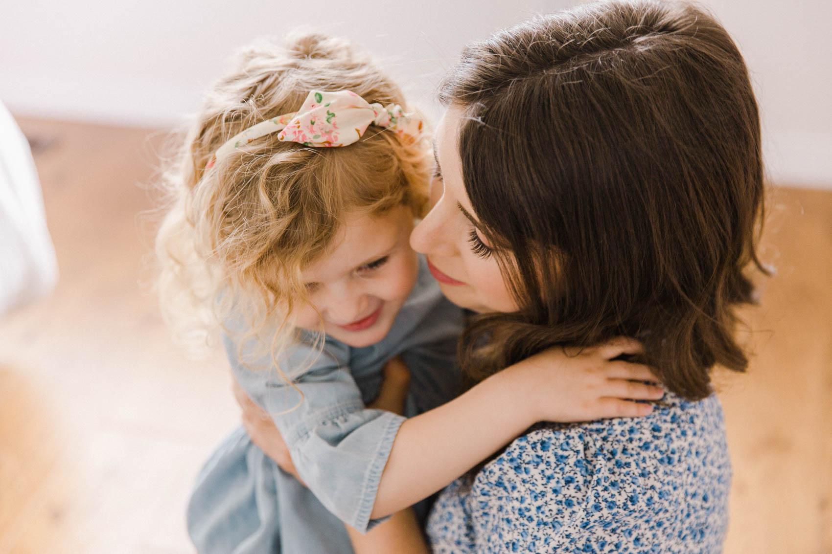 Calgary Motherhood Shoot Lifestyle Photographer Jennie Guenard Photography