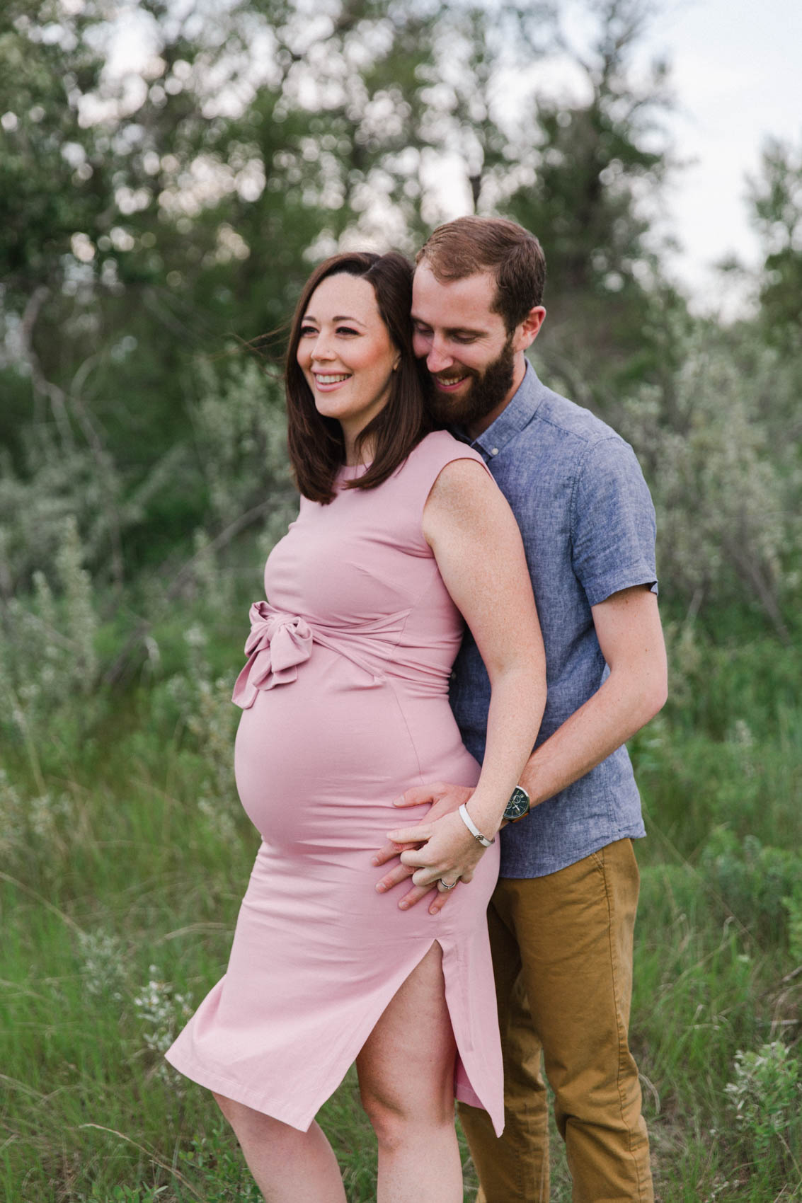 Calgary Maternity and Family in home Photographer Jennie Guenard Photography