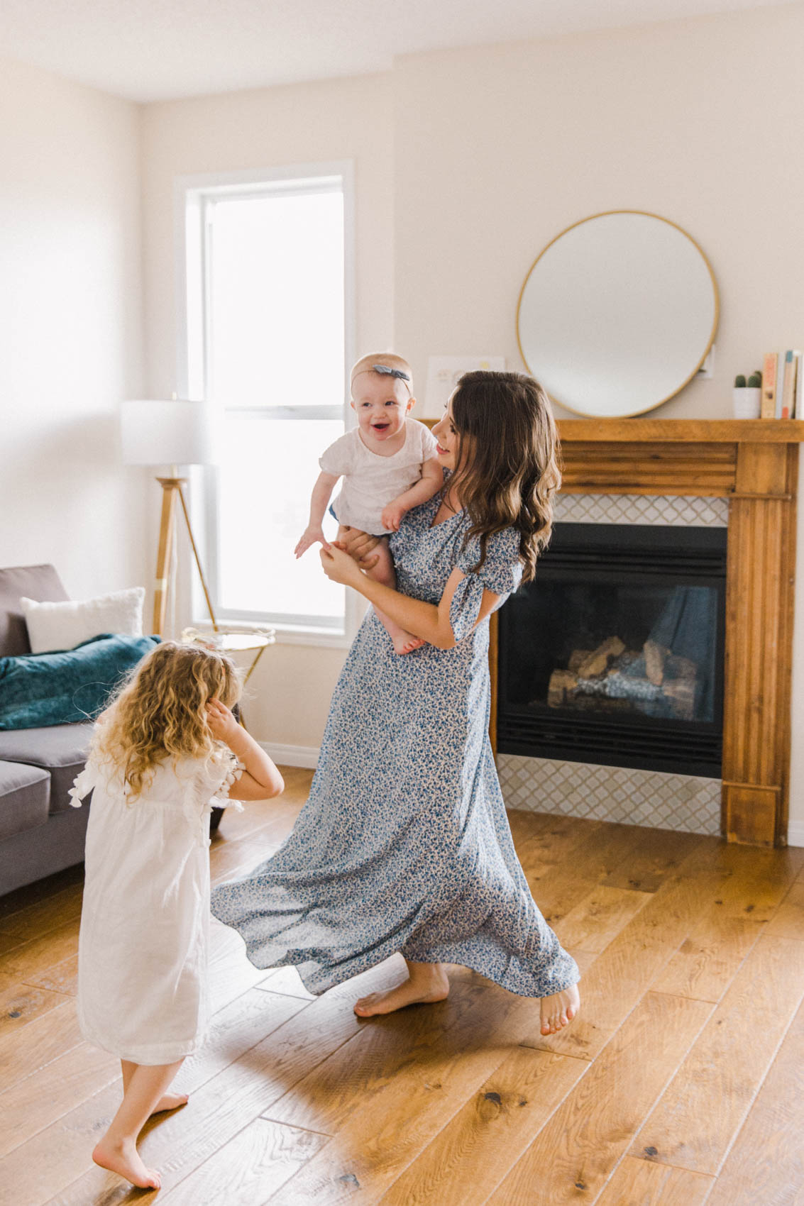 Calgary Motherhood Shoot Lifestyle Photographer Jennie Guenard Photography-44.jpg
