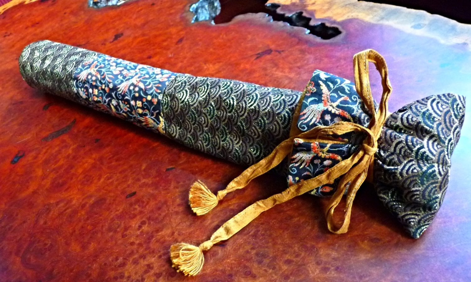 Shakuhasi Flute Cover - Wave and Birds Japanese Brocade