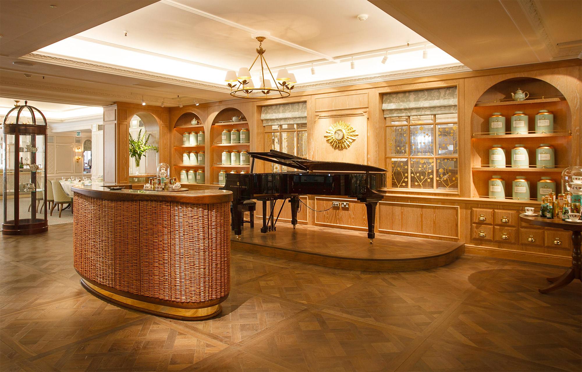fortnummason-diamondjubilee-tearoom-piano.jpg