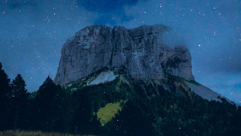 Mont-Aiguille-Nuit-Small.jpg