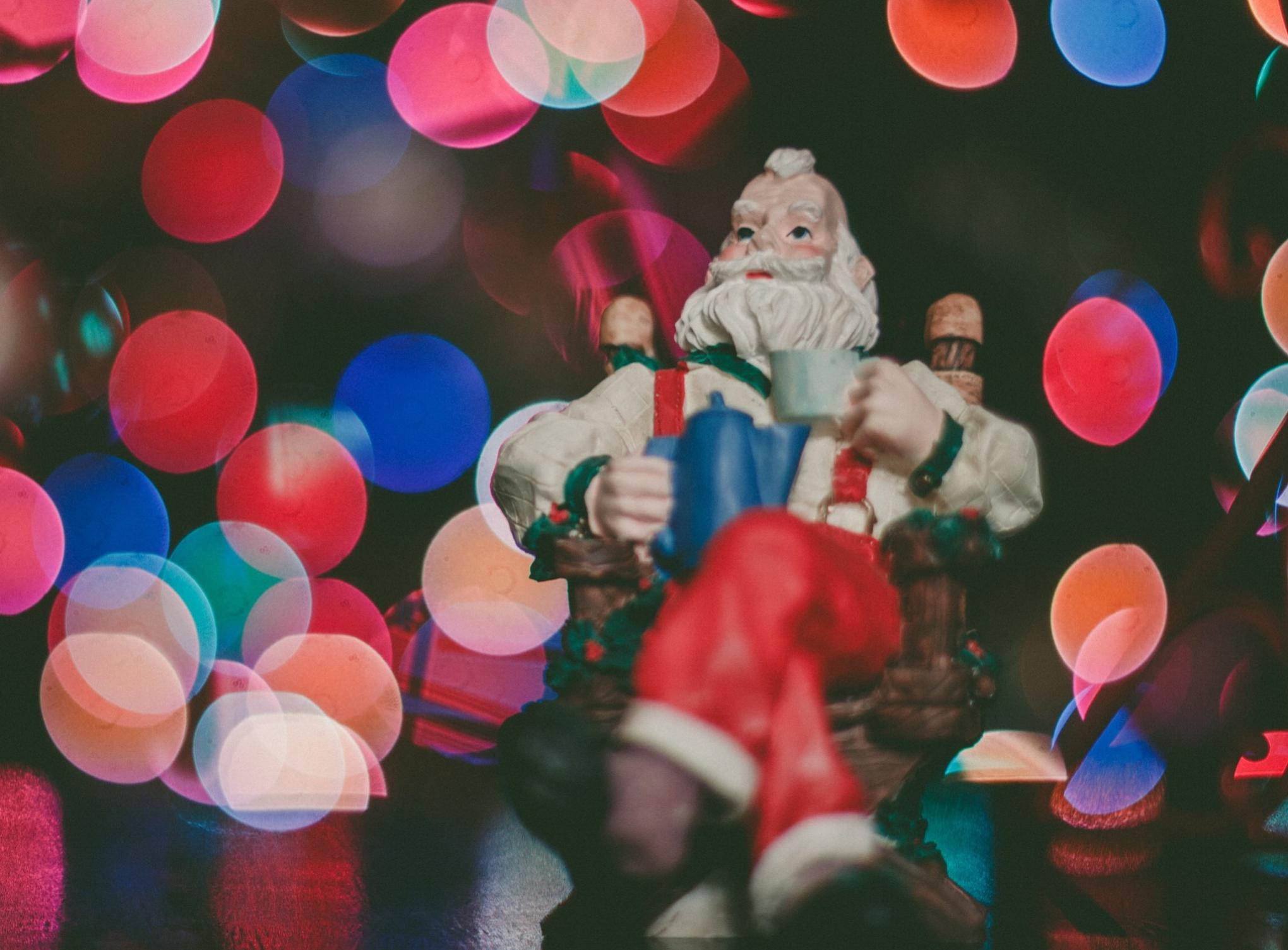 Santa Claus waiting Caleb Woods Unsplash